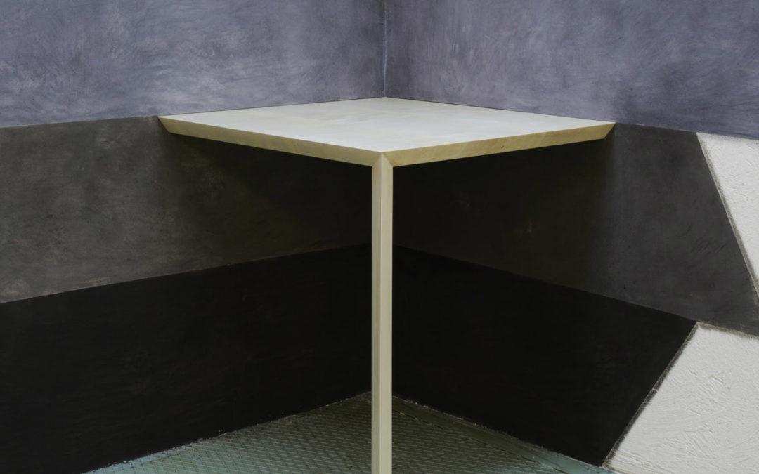 XYZ Corner Table